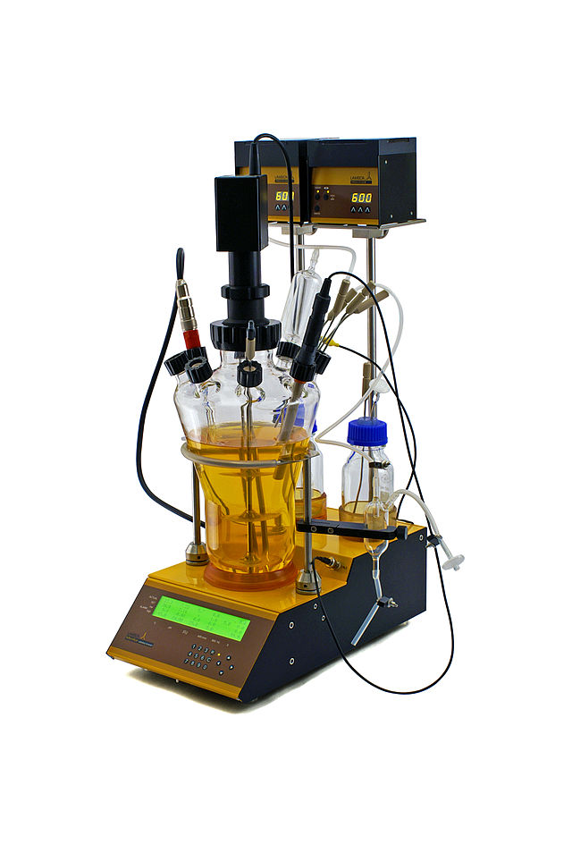 Example of a benchtop bioreactor. Bioreactors are commonly used in microbial biotechnology for cell culturing and fermentation. Credit: Wikimedia Commons